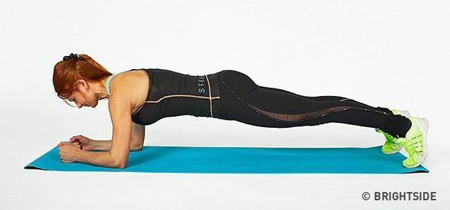 תוכנית אימונים לחיטוב הגוף: פלאנק