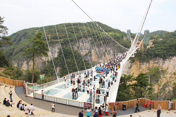 גשר הזכוכית של ז'אנגג'יאג'יה, סין