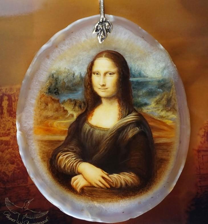 ציור לכה של המונה ליזה על אבן חן