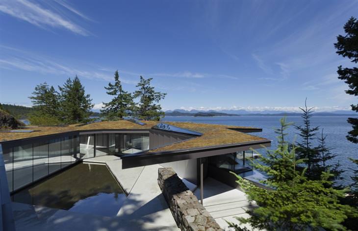 בתים נסתרים מן העין: בית טולה שבקולומביה הבריטית, קנדה