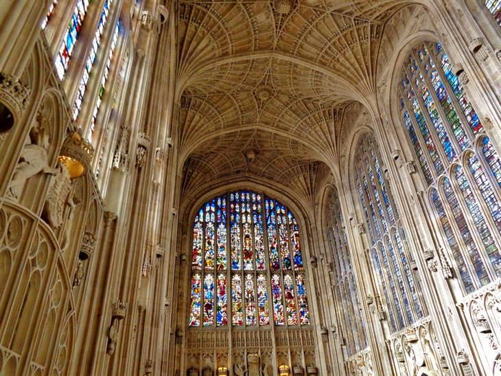 הויטראז'ים היפים בעולם: כנסיית המלך, קיימברידג', בריטניה