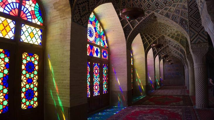 הויטראז'ים היפים בעולם: מסגד נאזיר אל מולק, שיראז, איראן