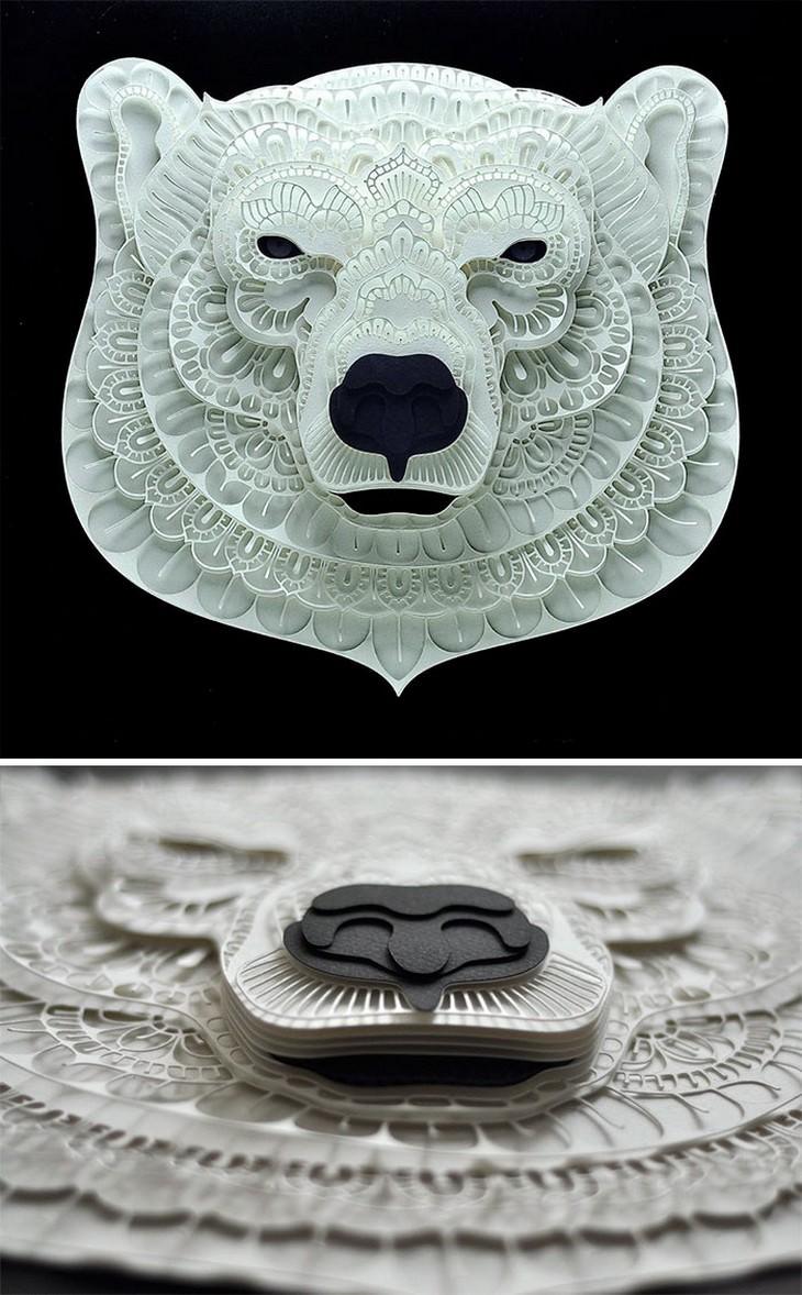 יצירת חיתוך נייר בצורת ראש של דוב קוטב