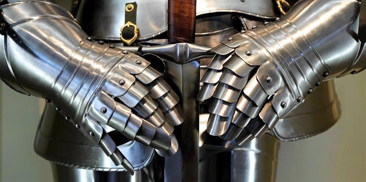 חידות מהנות: חליפת שריון