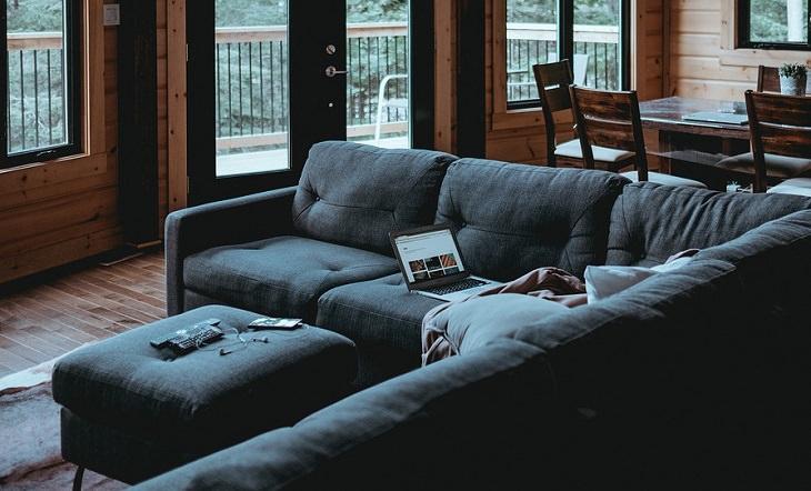 איך לשפר מצב רוח רע: סלון של בית
