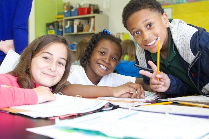 סגנונות למידה אצל ילדים: ילדים לומדים בקבוצה