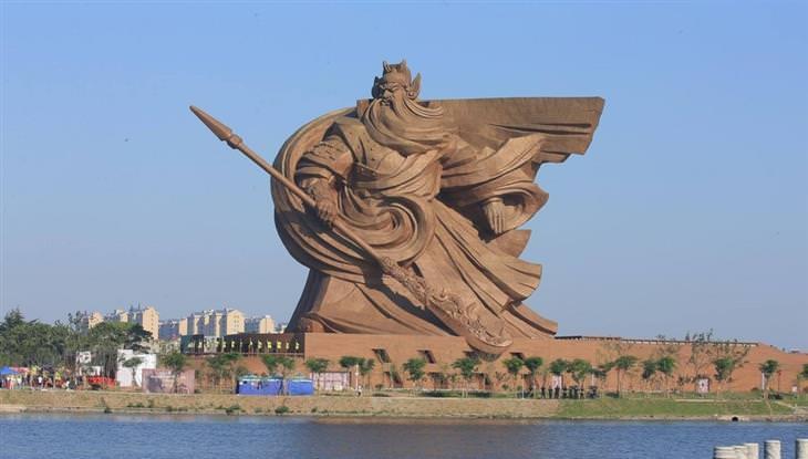 הפסלים הגדולים והמרשימים בעולם: אל המלחמה – ג'ינזואו, סין