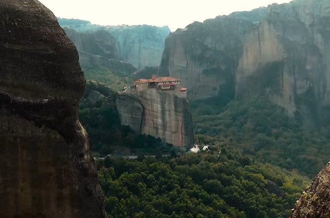 סרטון טיולים: מנזרי מטאורה ביוון