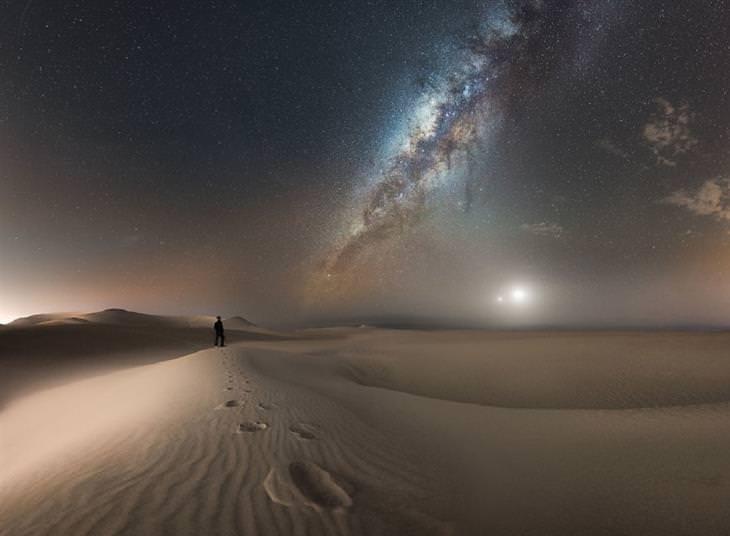 """תחרות צילומי לילה: """"אדם, שביל החלב, ירח והתקבצותה של נגה"""" של קמילו אנדרס ג'אראמילו סילבה"""