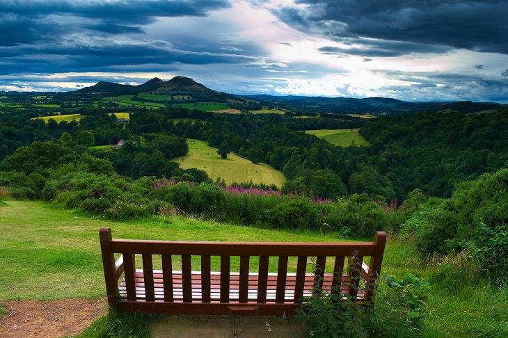 מסלולים לטיולי יום בבריטניה: הנוף ממצפה סקוט