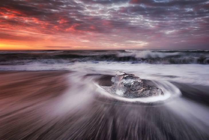 צמד צלמים מתעד את העולם: חוף היהלום, איסלנד