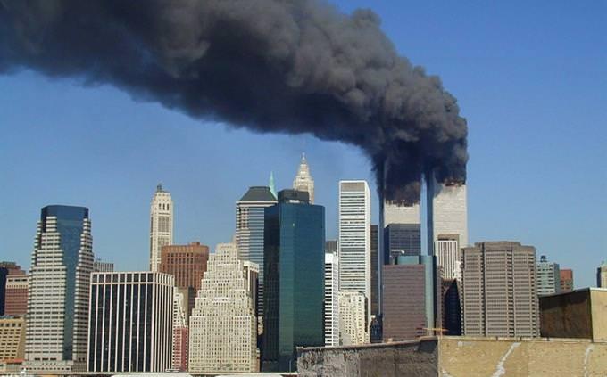 מבחן טריוויה: מגדלי התאומים בניו יורק עולים באש טרם נפילתם