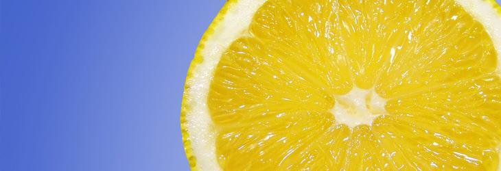 משקה שלושת המיצים לניקוי המעיים: לימון חצוי