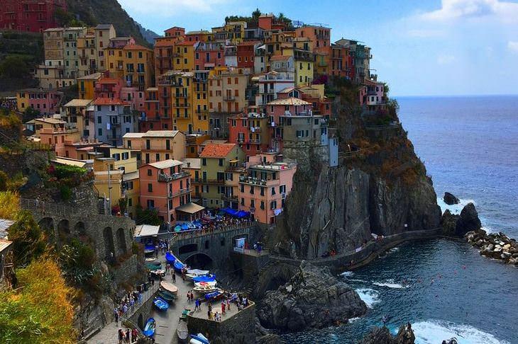 בתים צבעוניים: מנרולה