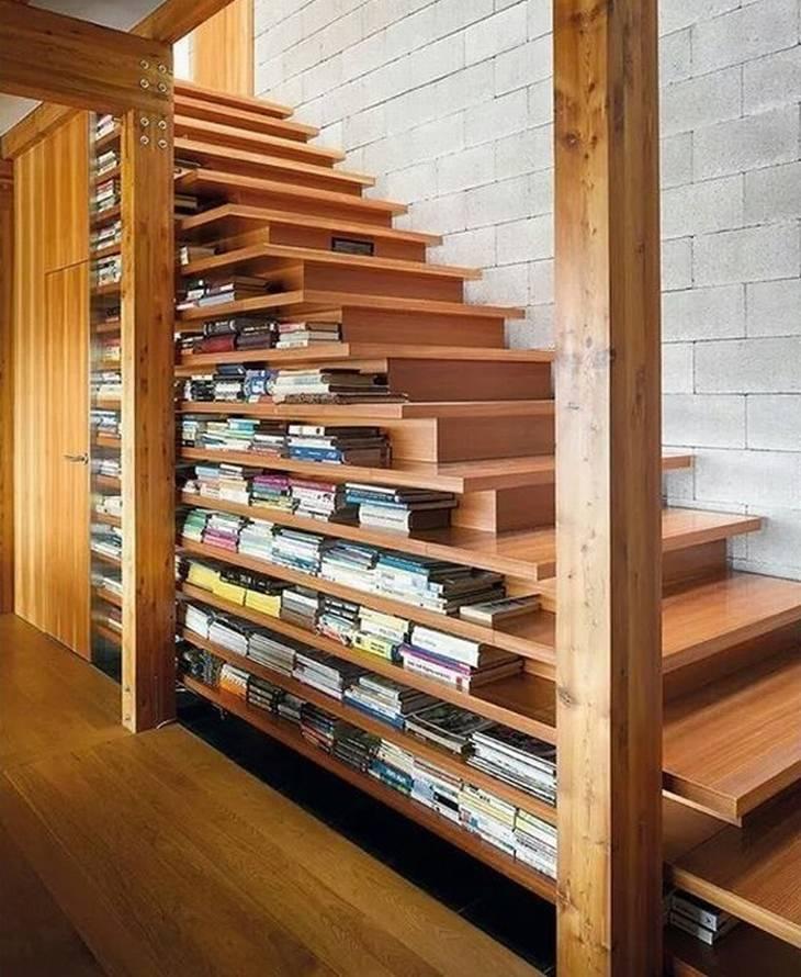 מוצרים בעיצובים מיוחדים: גרם מדרגות שמשמש גם כמדף ספרים