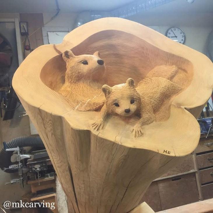 פסלים שמגולפים מעץ: גורי דובים