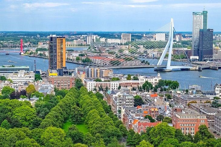 מסלול טיול בדרום הולנד: מבט רחב על העיר רוטרדם