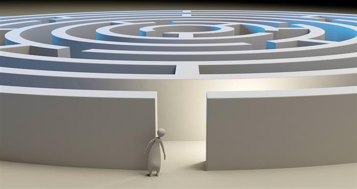 שיטות לפתירת בעיות בחיים: איור דיגיטלי של איש שעומד מול כניסה למבוך