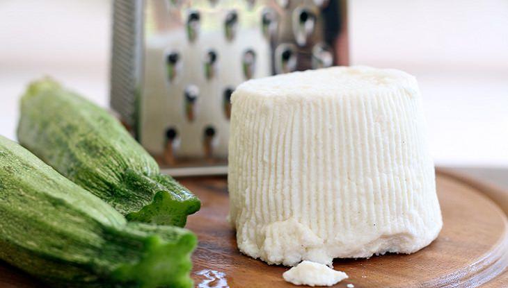 סיבות מפתיעות לצרוך סידן: גבינת ריקוטה, קישואים ומגררת