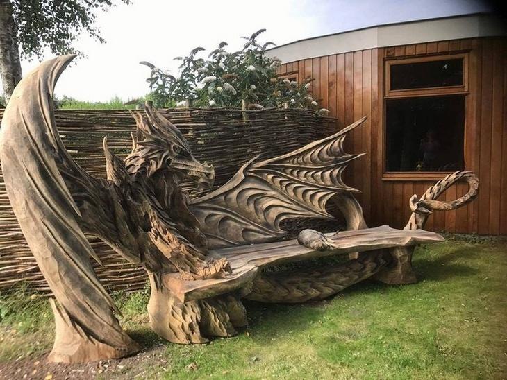 18 ספסלים יצירתיים: ספסל דרקון