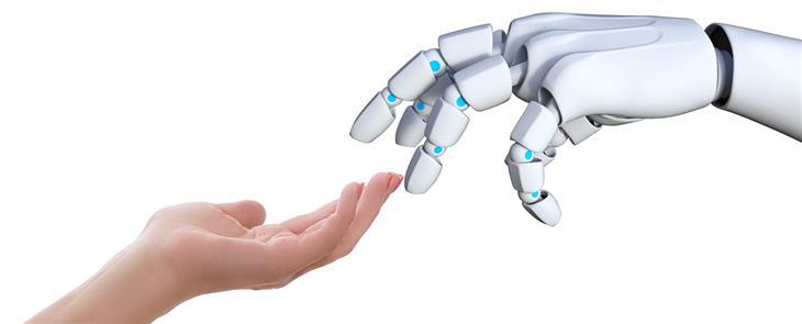 תגליות מדעיות: יד רובוטית מול יד אנושית