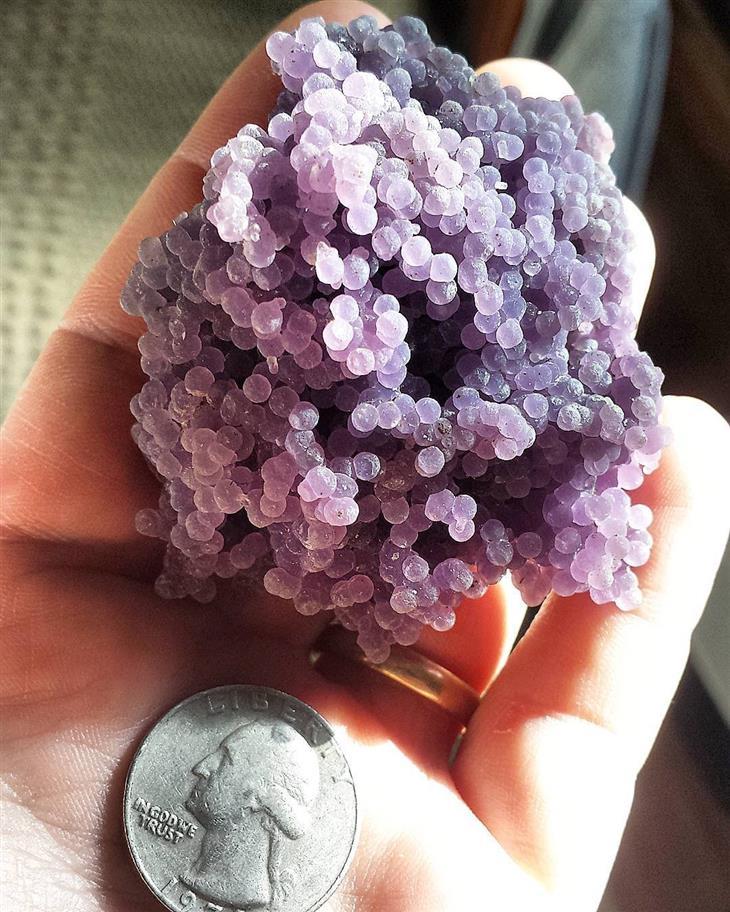 קריסטלים ואבני חן יפים: אגט ענבים