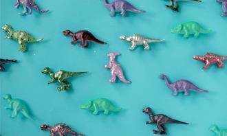 מצא את ההבדלים: צעצועי דינוזאורים