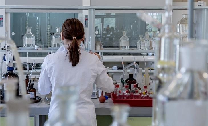 בדיקת מערכת עיכול מקיפה: ביצוע בדיקות מעבדה