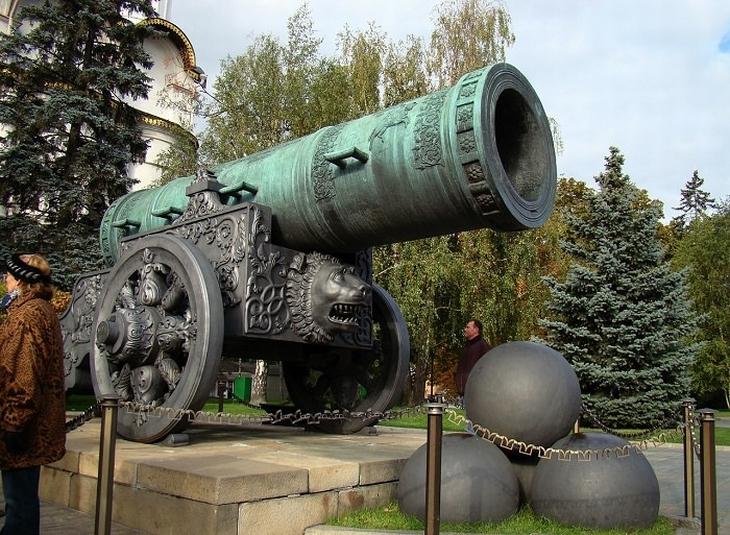 אתרים במוסקבה: תותח עתיק