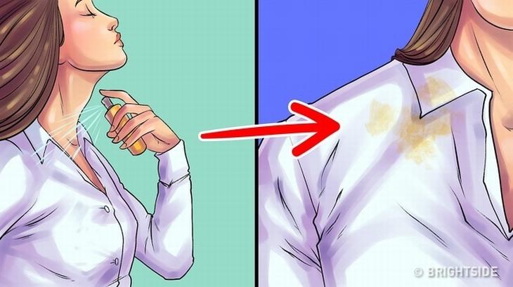 מדריך לשימוש נכון בבשמים: איור של אישה מרססת בושם על בגד ונשאר עליו כתם