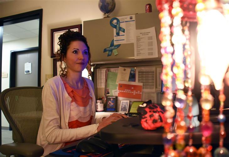 בעיה מביכה במרפאה: פקידת קבלה