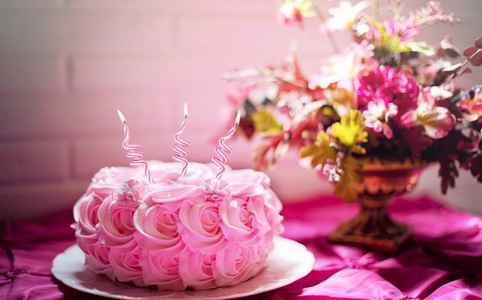טריוויה ידע כללי: עוגת יום הולדת