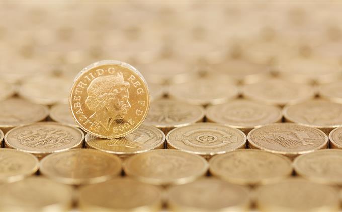 טריוויה ידע כללי: מטבע עומד על אוסף מטבעות