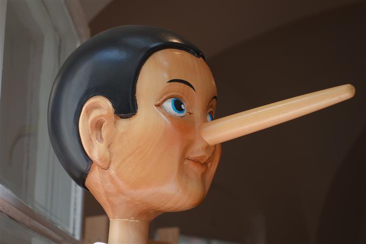 איך לזהות שקרן כפייתי: בובה של פינוקיו