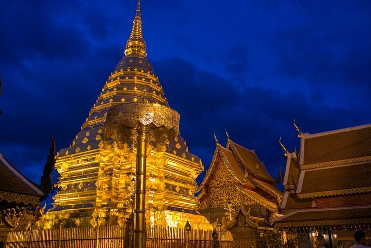 מקדשים בתאילנד: מקדש ואט פרה טאט דוי סוטפ