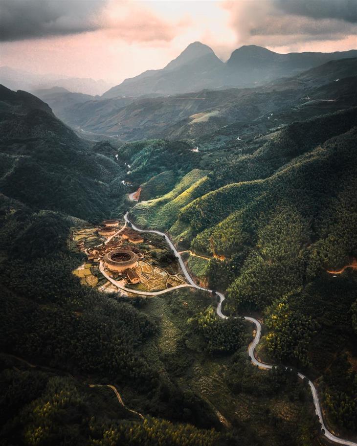 תמונות נוף של אסיה מנקודת מבט של ציפור: