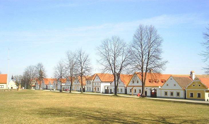 אתרי מורשת בצ'כיה: הכפר המשומר הולשוביצה