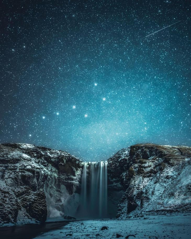 תמונות טבע מדהימות שנראות כמו ציור: הדובה הגדולה בשמי הלילה באיסלנד