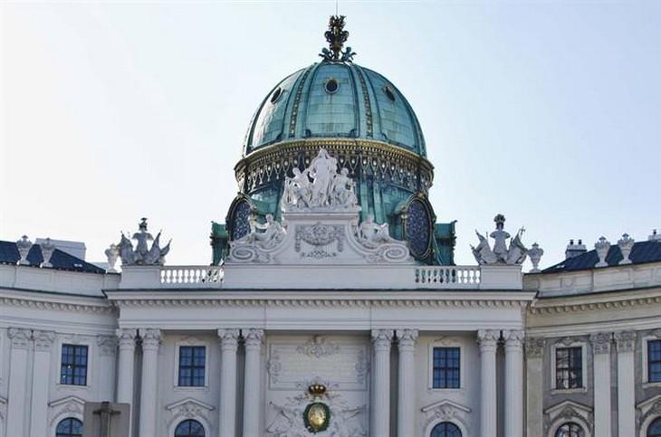 אתרים בווינה: הכיפה שמעל ארמון הופבורג