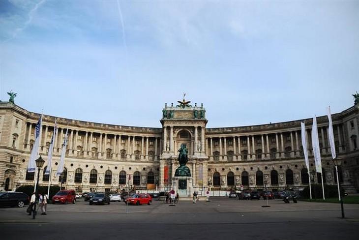 אתרים בווינה: ארמון הופבורג