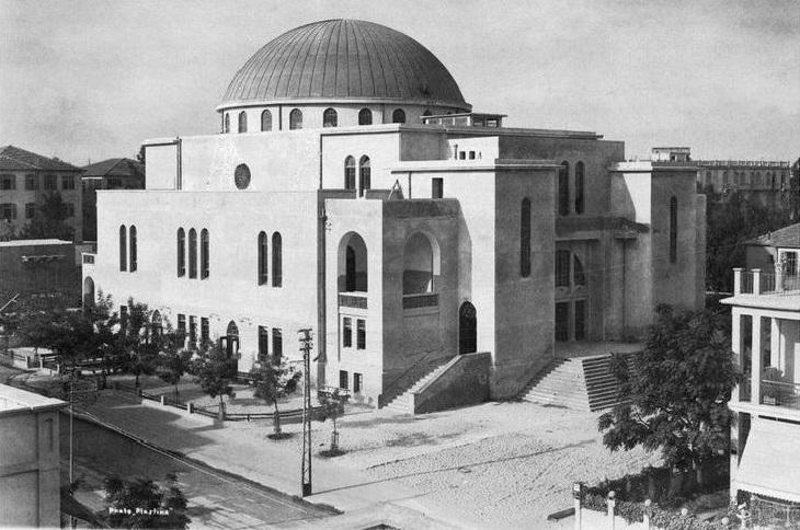 17 תמונות ישנות של תל אביב: בית הכנסת הגדול במלוא הדרו.