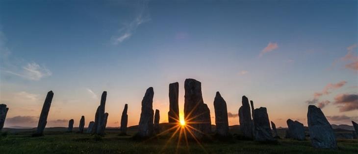 תמונות מרהיבות מאתרים היסטוריים בעולם:  מעגל האבנים בקאלניש סטון, סקוטלנד – David Ross