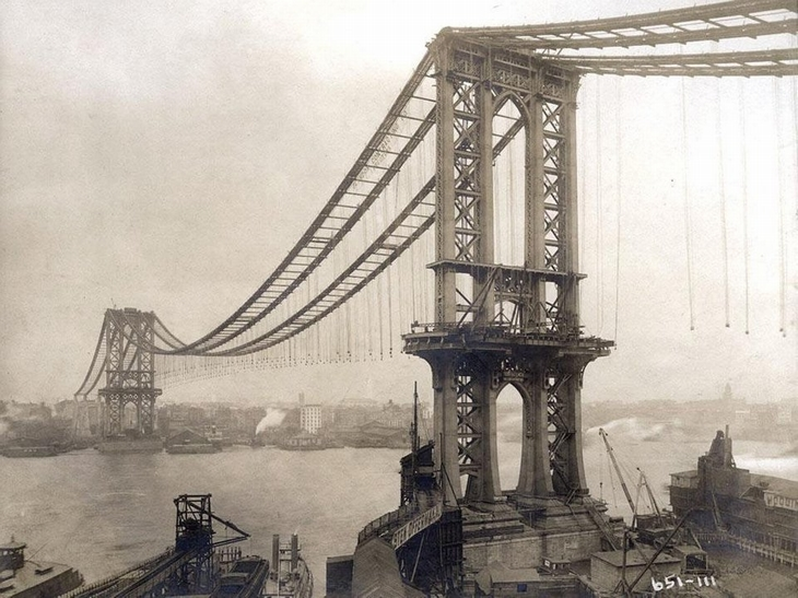 תמונות היסטוריות: גשר מנהטן בזמן בנייתו