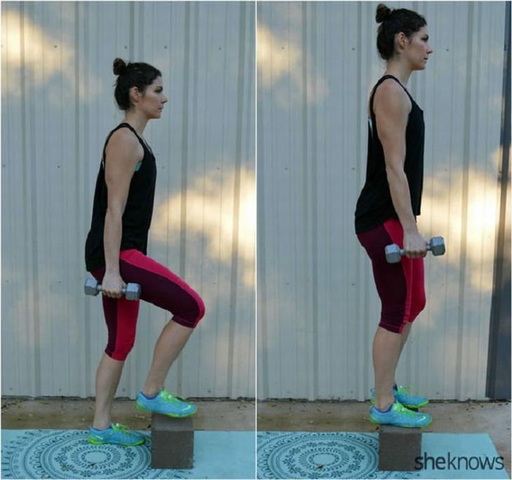 תרגילי כושר עם משקולות לחיזוק וחיטוב הגוף: עליית מדרגה עם משקולות