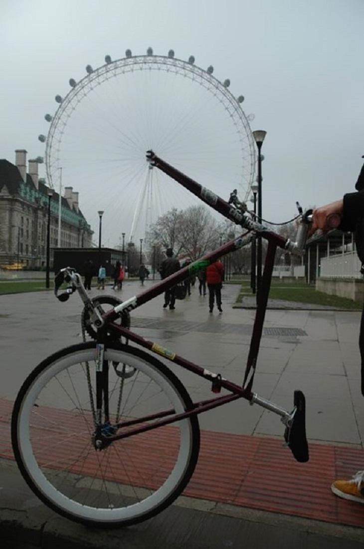 18 תמונות משעשעות: אופניים ללא גלגל קדמי מורמות לפני גלגל ענק שנראה כמו הגלגל אופניים ענק