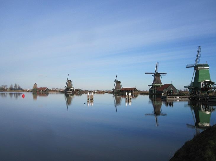 מסלול טיול בצפון הולנד: מראה זנסה סכאנס לעת ערב