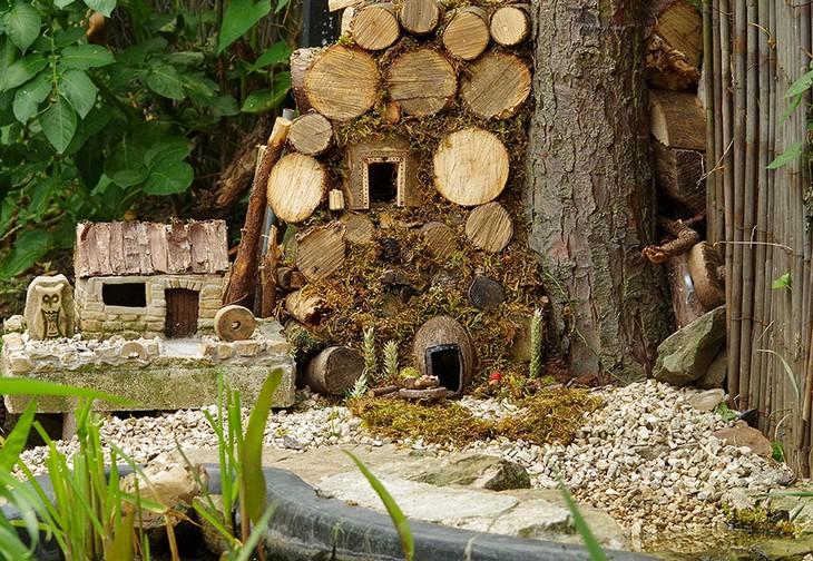 תמונות של עכברים בכפר מיניאטורי: כפר מיניאטורי לעכברים