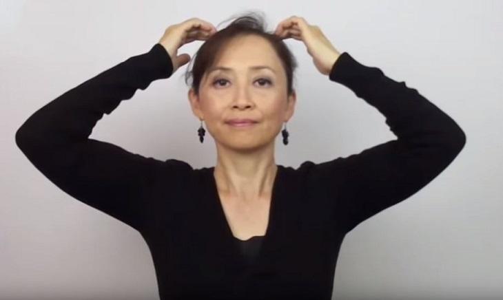 6 נקודות לחיצה שעוזרות לשמור על שיער שופע: גירוי ועיסוי נקודת לחיצה Pai hui - GV 20