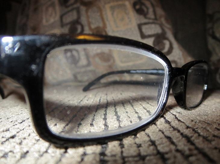 שיטות להסרת שריטות ממשקפי ראייה: משקפי ראייה