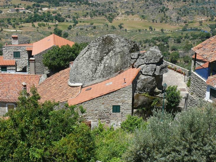 מקומות שקטים ומבודדים ברחבי העולם: כפר מונסנטו